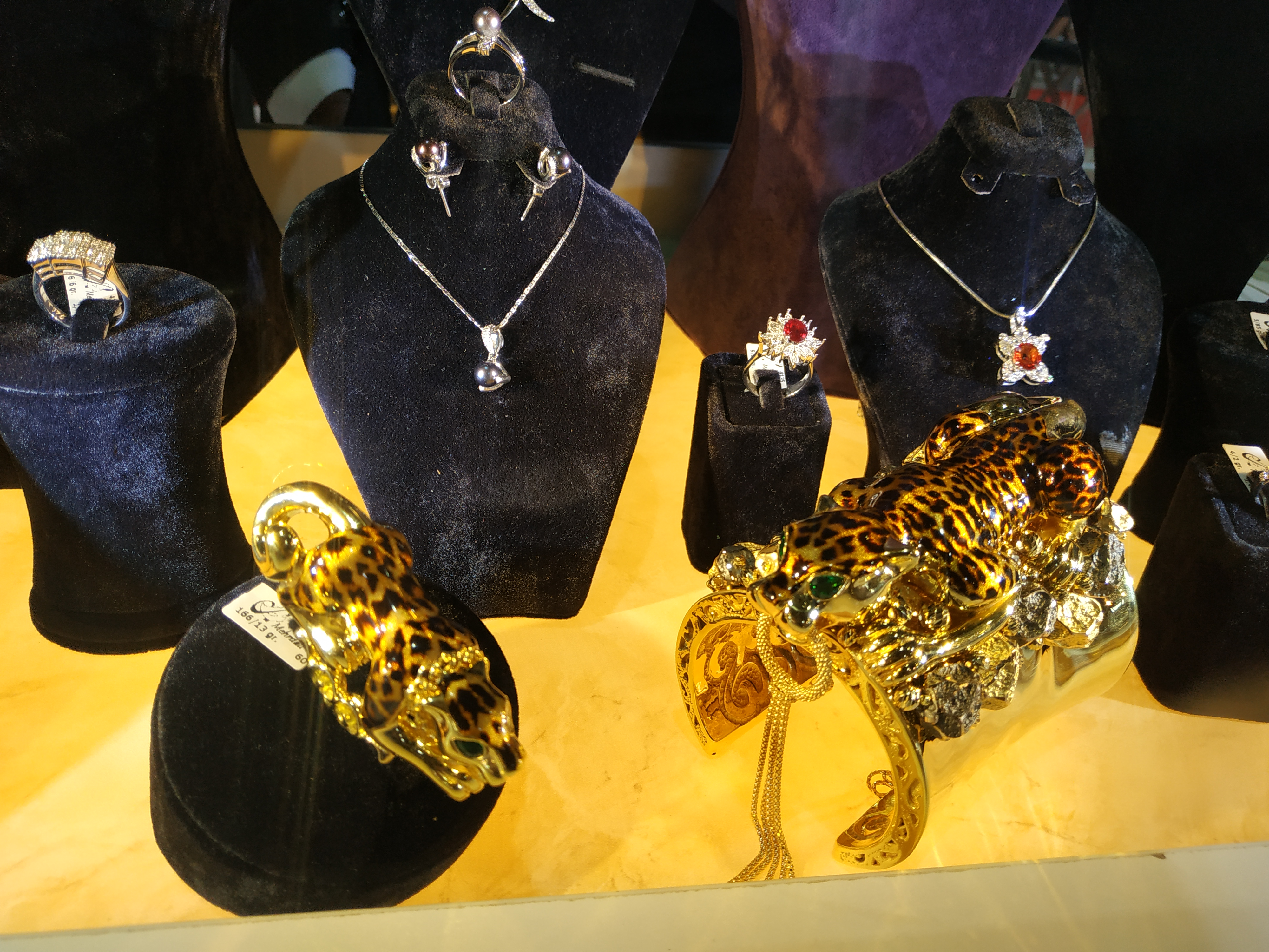نمایشگاه طلا جواهر مشهد