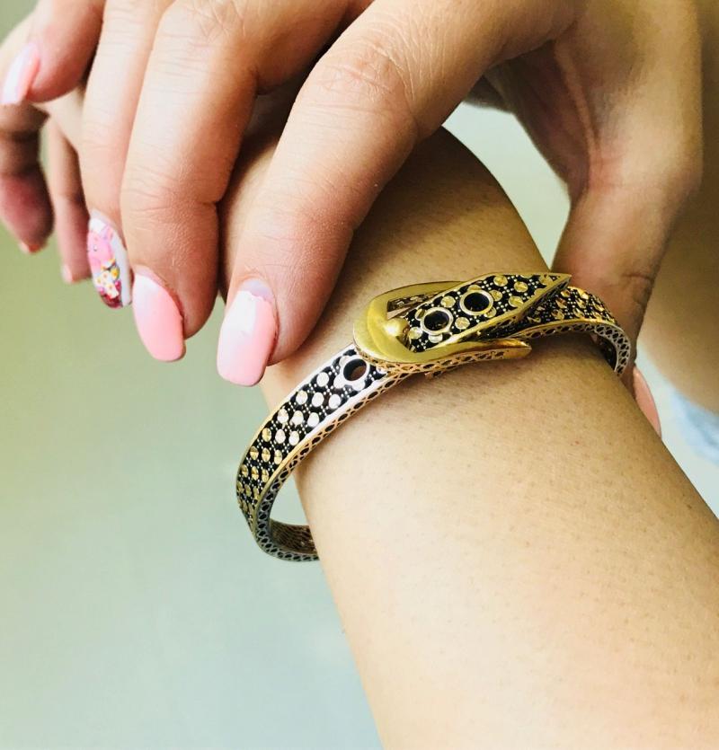 دستبند خاص